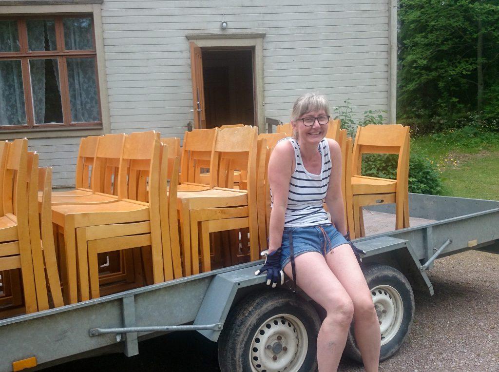 Ett stort tack till Gudrun Ahrman som sknkte stolar till hilmas.